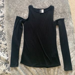 Black Ribbed Cold Shoulder Long- Sleeved Top